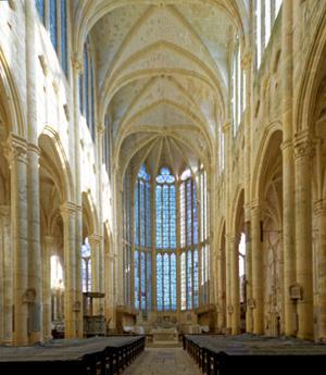 Intérieur de l'abbatiale de Saint-Martin-aux-Bois